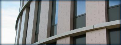 Aluminium composiet voorzien van noppen